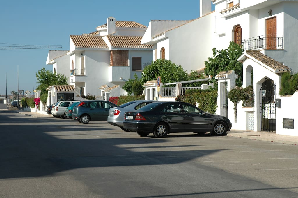 Parking  just at the private área entrance for exclusive use of owners/guests.