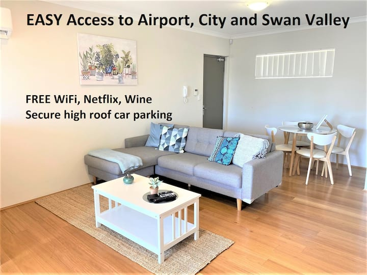GREAT VALUE CLOSE AIRPORT/SHOPS WIFI NETFLIX WINE