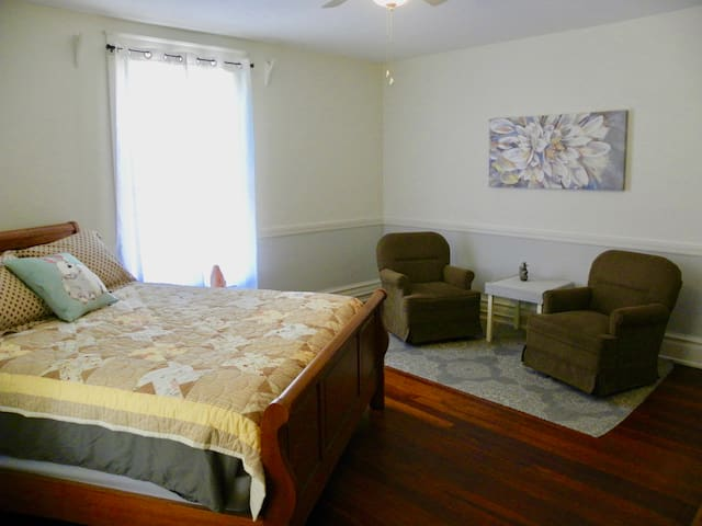 Simply Peaceful Queen Bed in Plant City