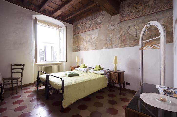 La Casa Dei Mercanti (little traditional BnB) - Bergamo - Bed & Breakfast