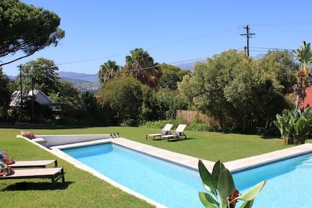 Amazing location + views - Eco flat - Cape Town - Lejlighed