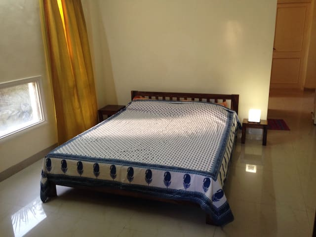 Awesome room, location & hosts !!! - Pune