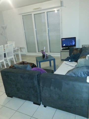 chambre lit+salon canapé lit 4 plcs - Muret - Apartemen
