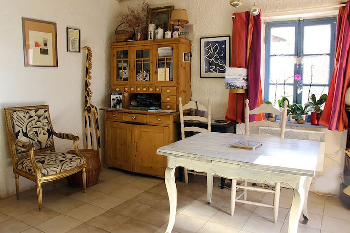 Typical and cosy house in Camargue/Saintes Maries - Saintes-Maries-de-la-Mer - Huis