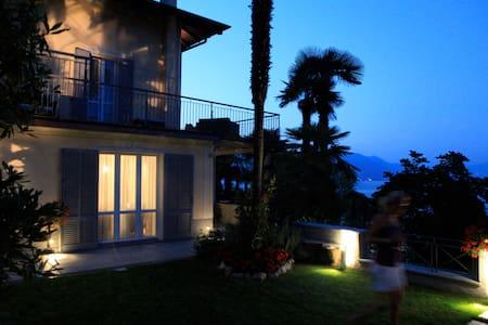 Lussuoso appartamento in Villa lago - Stresa - Villa