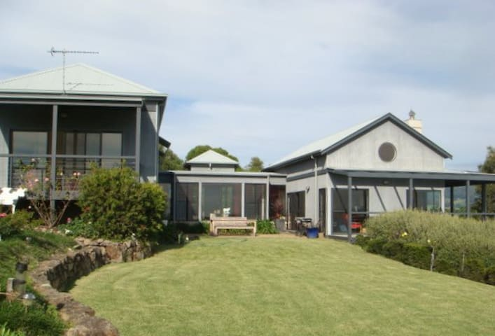 A Beach House in the Country - Kiama - บ้าน