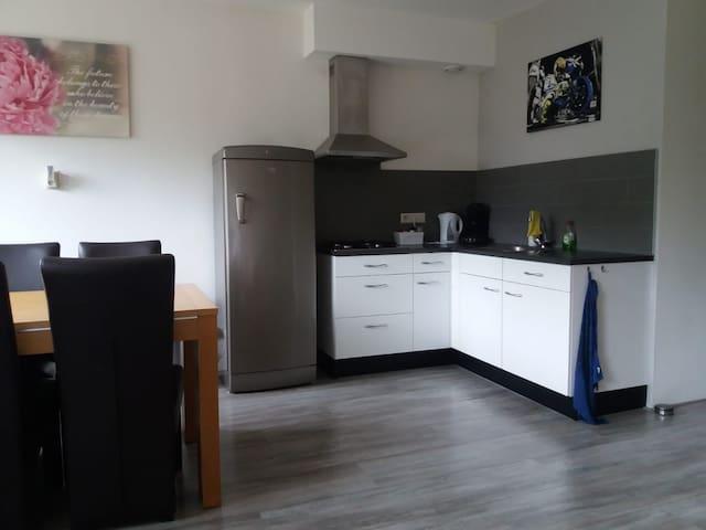 Ruim, compleet appartement centraal in NL: SOEST!