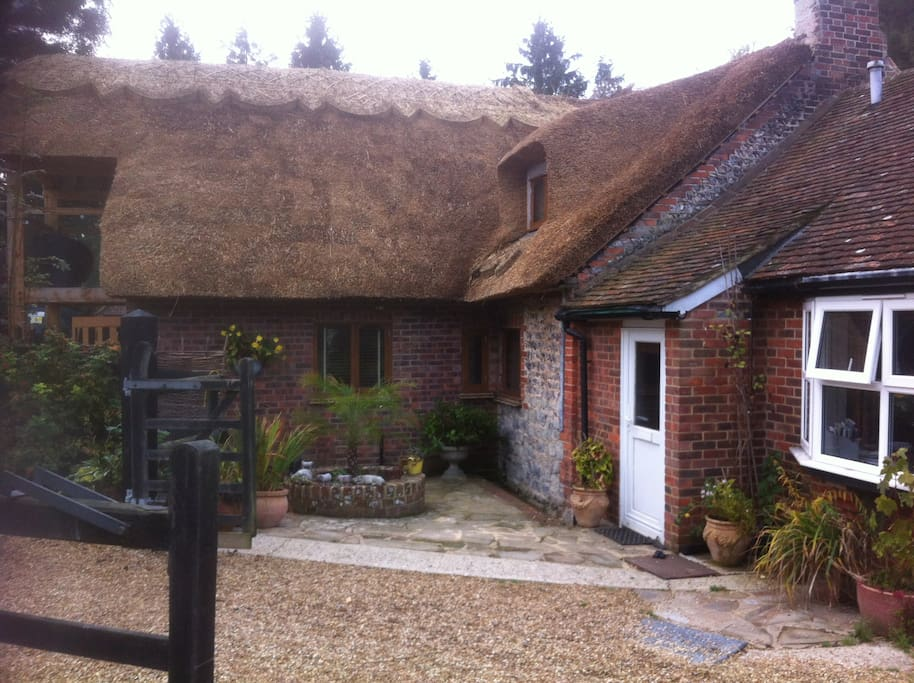 Thatched Cottage with attached anne