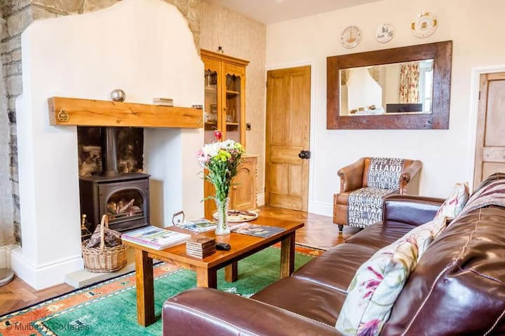 Gainest Cottage, Sleeps 2 A romantic retreat for two. - Calder Valley, Halifax - Huis