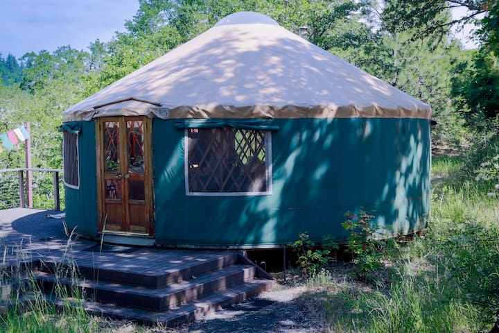 Columbia Gorge Scenic YURT & Hanging Tent - White Salmon - Yurt