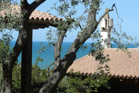 x4 cozy cottage overlooking the sea - Rodi Garganico - Bed & Breakfast