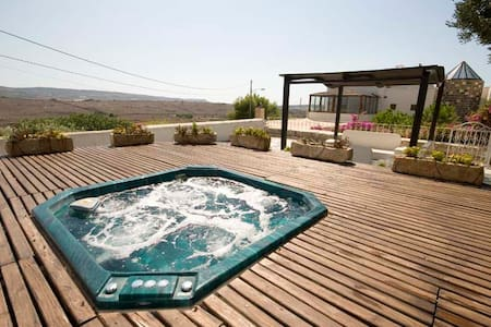 Extraordinary Tal Magna with Pool - Mgarr