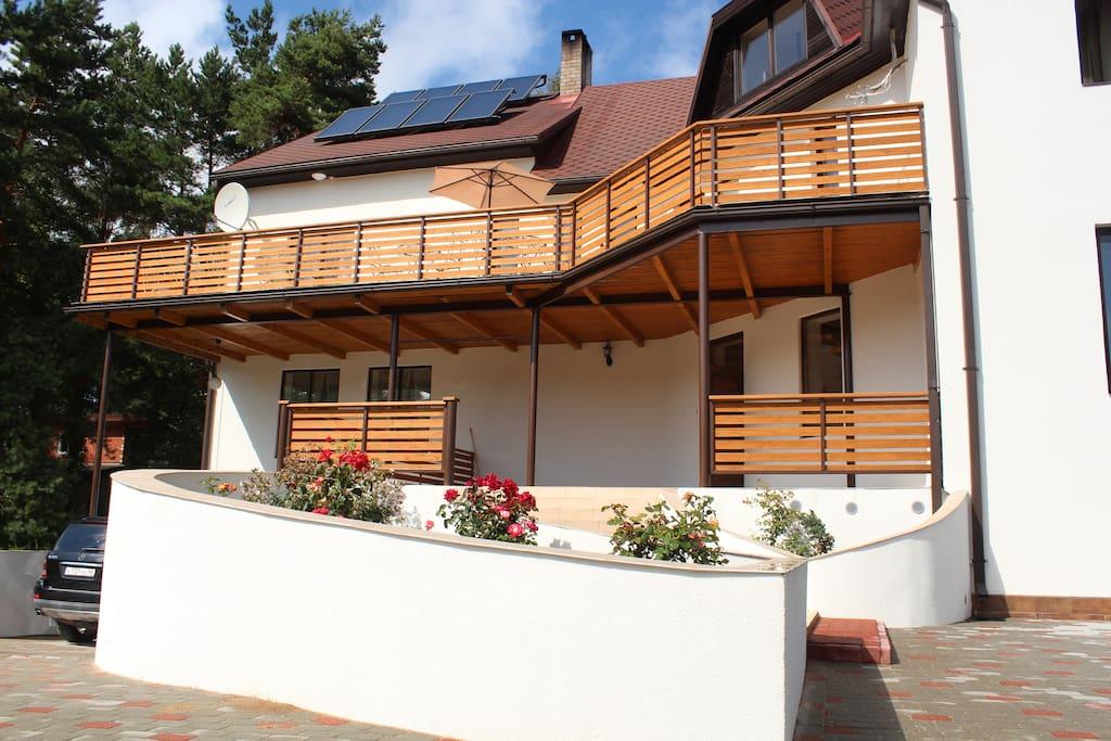 Front Villa Neubad