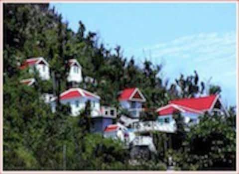 El Momo Cottages (cottage with kitchenette)