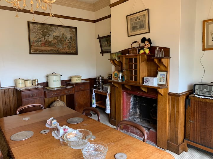 Ulverstone heritage accommodation: Single room