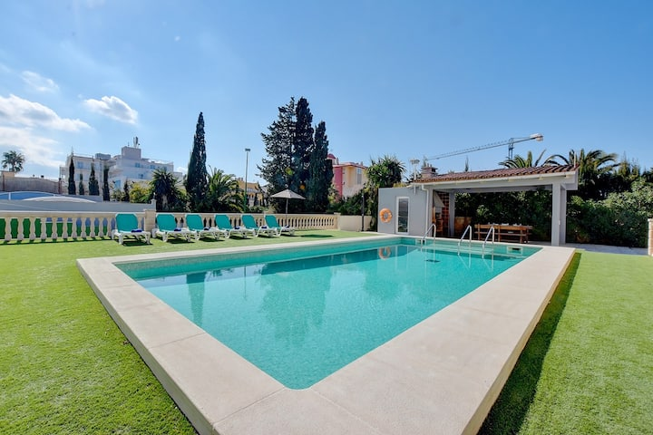 Villa Maravilas 2 next to the beach with private pool and garden