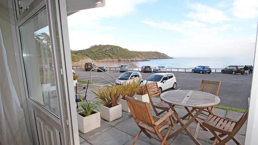 901 Redcliffe Apartments, Caswell Bay