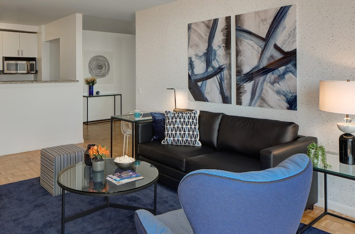 Luxury 1 bed in Tribeca with fitness center access