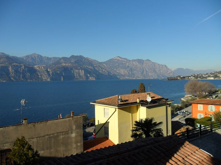 CASA ELISA 120 mq only 50 meters from the lake