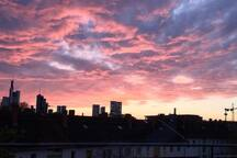 Skyline-Blick über Frankfurt/  Skyline-view over Frankfurt