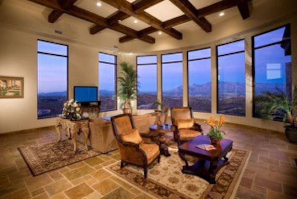 great room with panoramic city views
