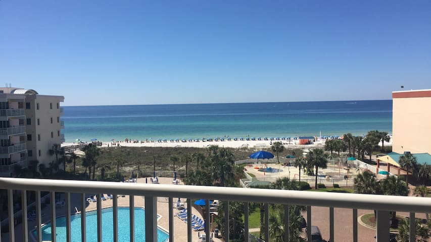 Amazing Gulf views from the patio balcony