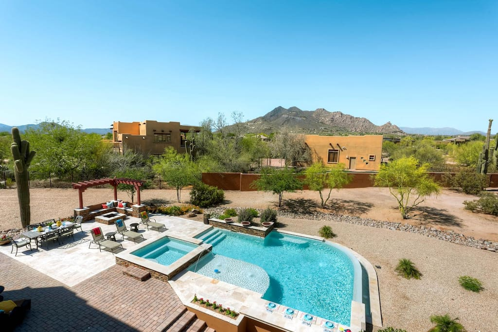 beautiful cave creek home with pool sleeps 13 maisons louer cave creek arizona tats unis. Black Bedroom Furniture Sets. Home Design Ideas