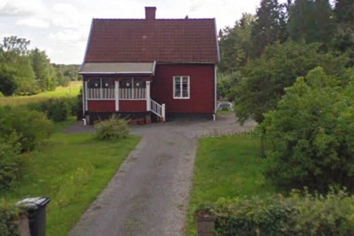 Charmigt sommarhus i norra roslagen
