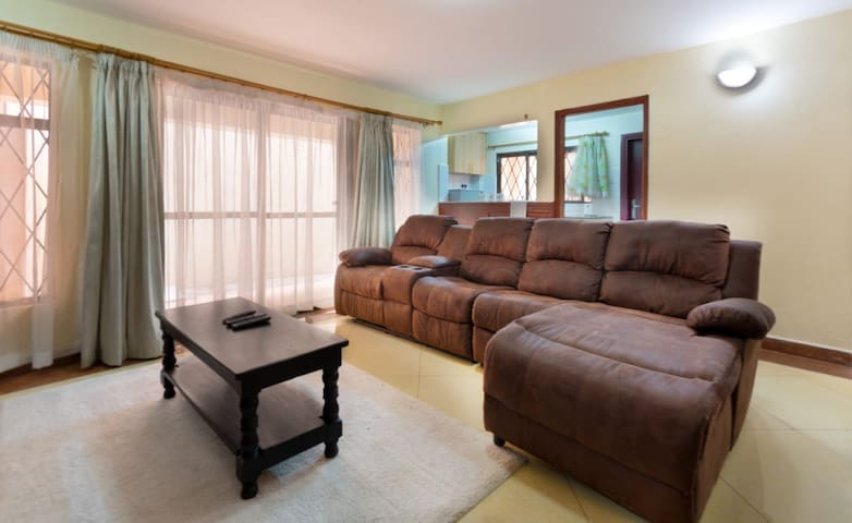 Cozy One Bedroom near Two Rivers Mall