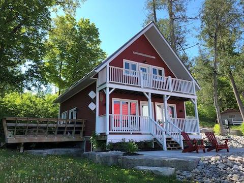 Modern Red Cottage Harbourtown Marina