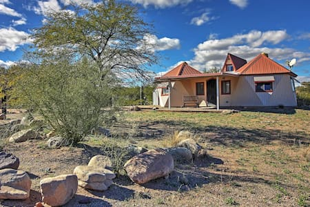 1BR Mammoth Cottage w/ Gorgeous Desert Views! - Mammoth - Rumah