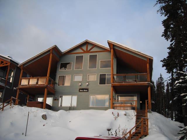 Big White Chalet Ski-in & Ski-out - BC - Alpstuga