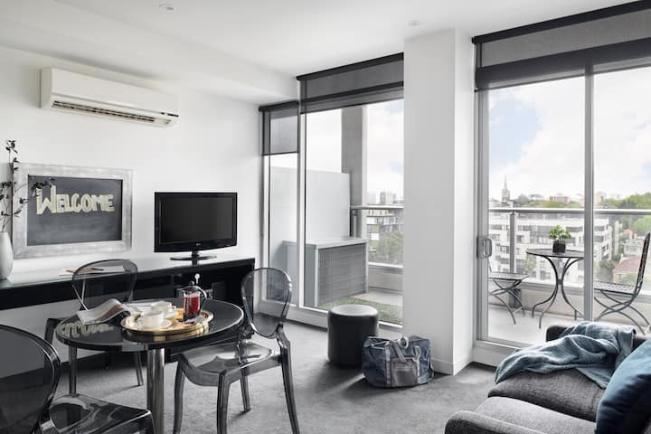 South Yarra One Bedroom Apartment with Balcony