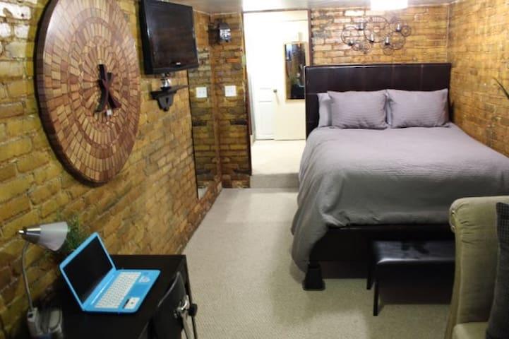 Tranquil City Suite
