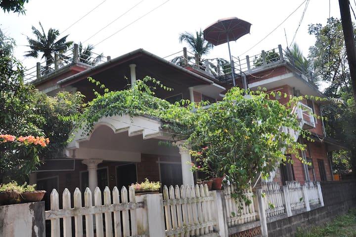 Charlie's  - Ernakulam - Ev