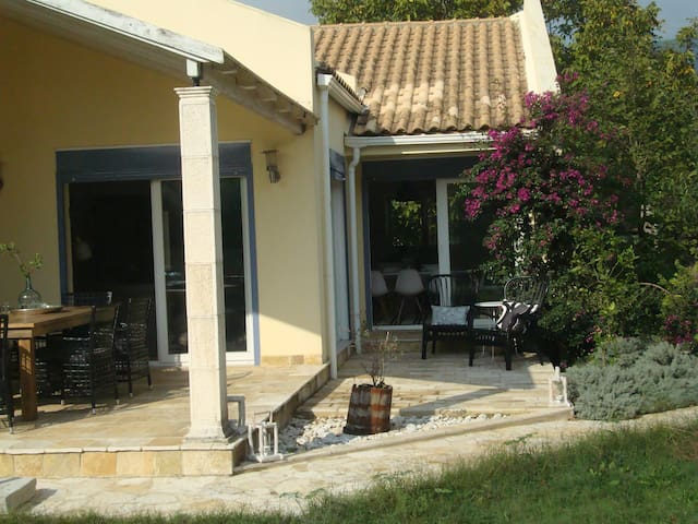 Great family friendly villa in Corfu - Kato Korakiana - House