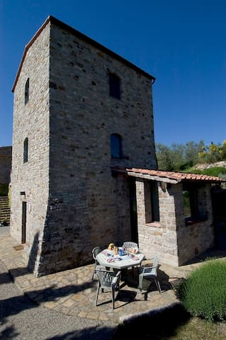 Wohnen im Turm (Colombaio di Cencio) - Gaiole In Chianti - บ้าน