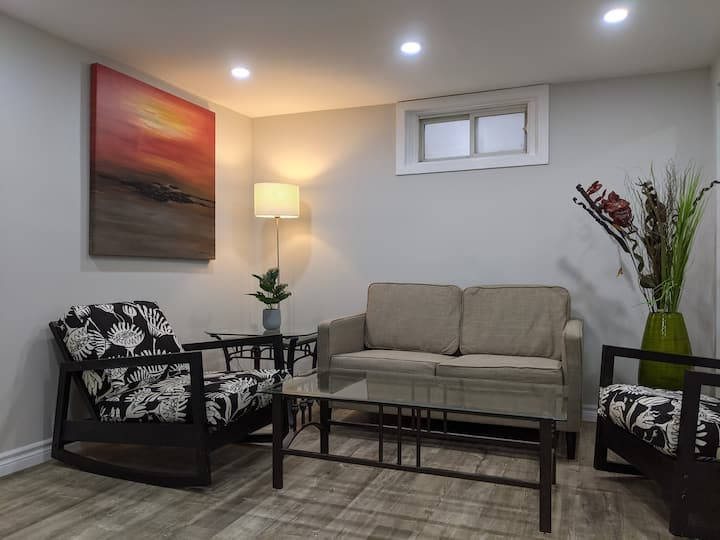 Bright Fresh Basement suite in Lakeview