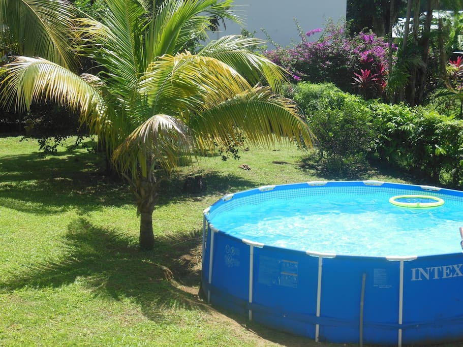 Appartement dans villa avec jardin et piscine maisons for Location appartement maison avec jardin