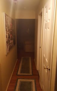 Private room in quite Townhouse community. - Hillsborough Township - Departamento