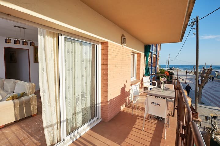Casa preciosa junto al mar WIFI y AC