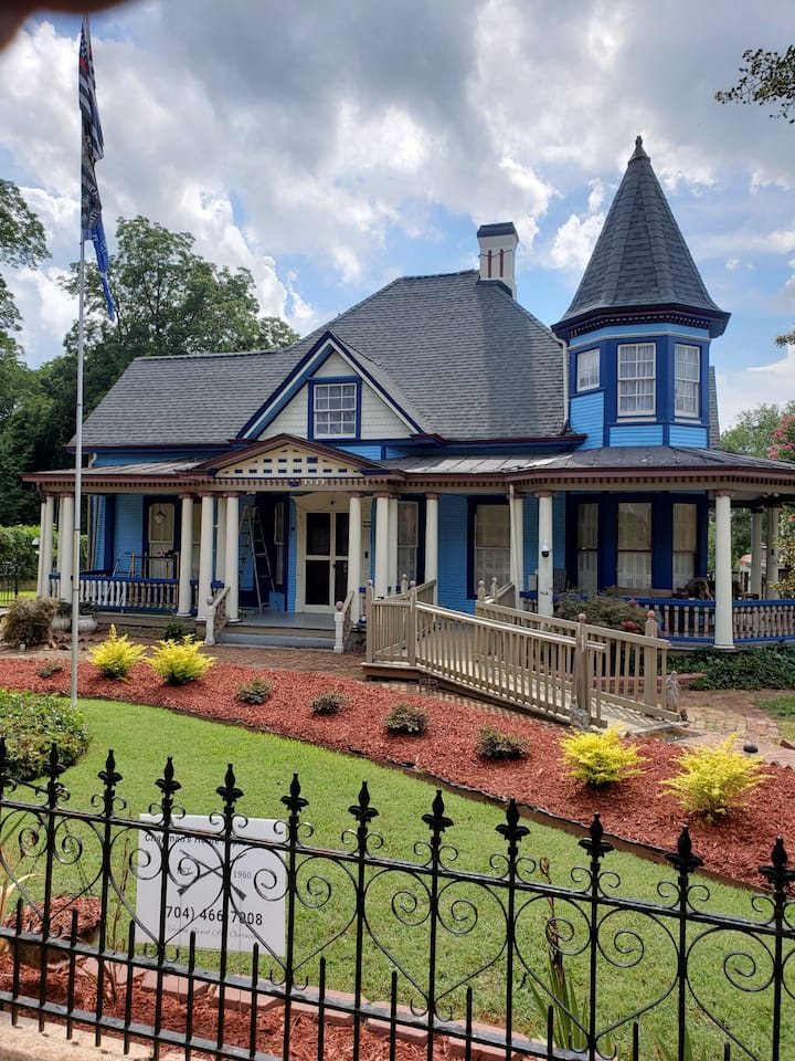 Thompson's Queen Victorian NC