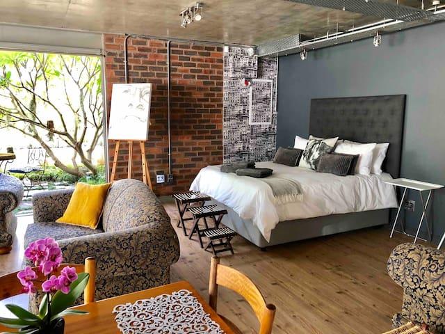 Superbly located Stellenbosch Studio