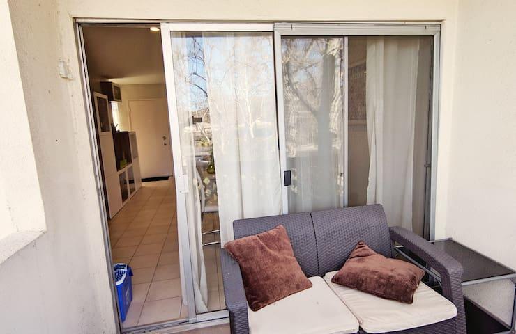 Modern Santa Clarita 1 Bedroom Gem