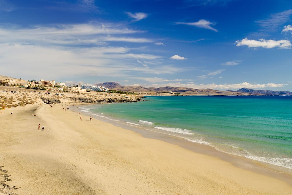 The spectacular Costa Calma beach is only a 12-minute walk from the apartment