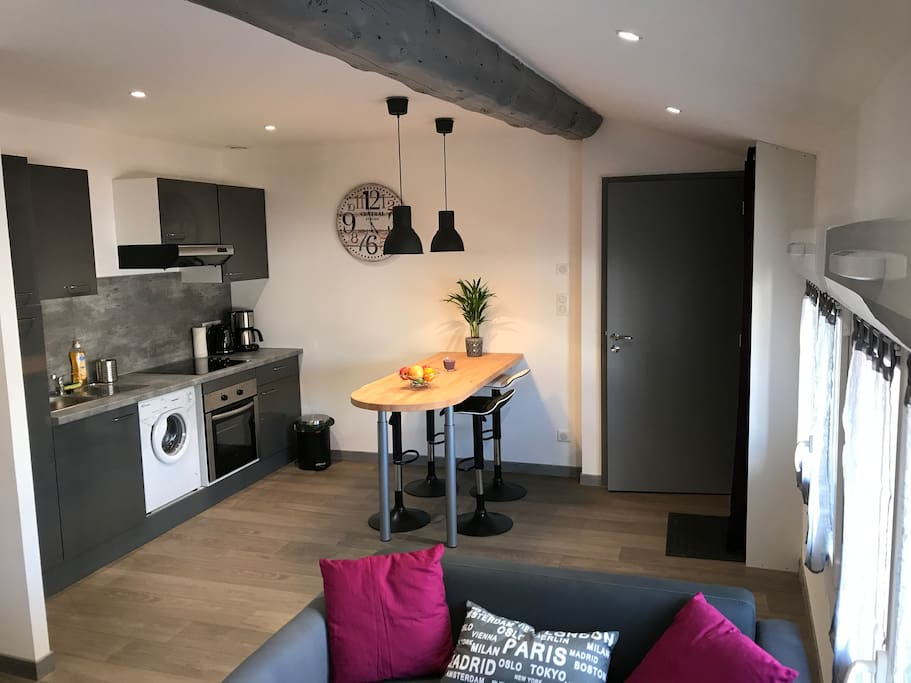 studio cosy serviced apartments for rent in saint tienne auvergne rh ne alpes france. Black Bedroom Furniture Sets. Home Design Ideas