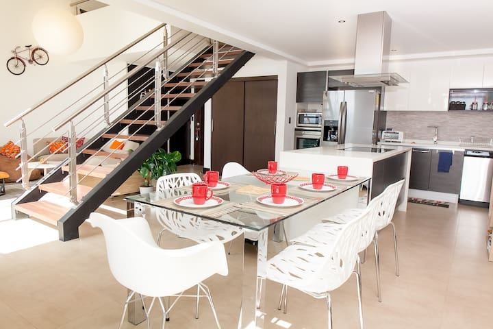Beautiful NEW Penthouse Loft (Fully equiped) - Guatemala City - Apartment