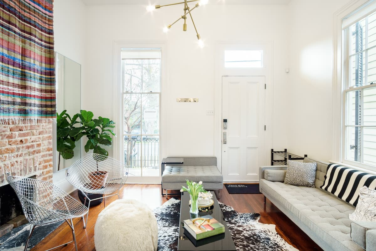 Live Local ; Chic Renovated Home One Block from Magazine St.
