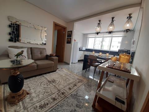 Belo apartamento novo e montado na Praça Savassi