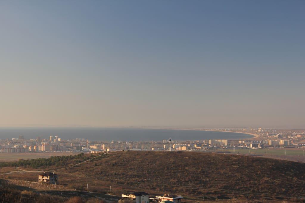 Вид на город от начала Кавказких гор.